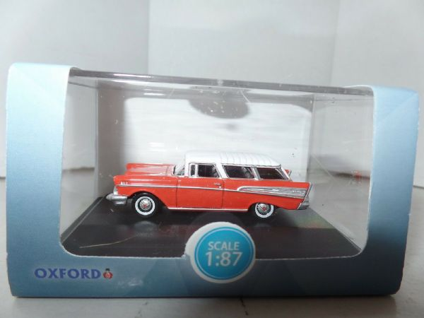 Oxford USA 87CN57002 CN57002 1/87 Chevrolet Nomad 1957 Rio Red Arctic White